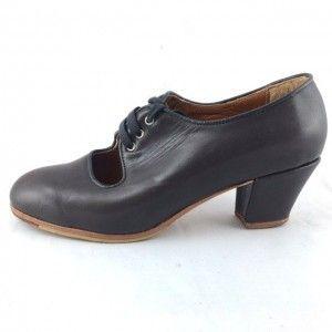 Carmen 37 A Leather Ash Cubano 5 Covered 3575